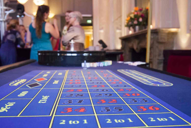 Roulettetafel op de casino avond