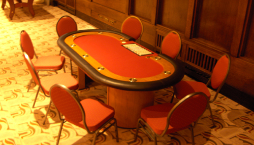 Pokertafel met stoelen