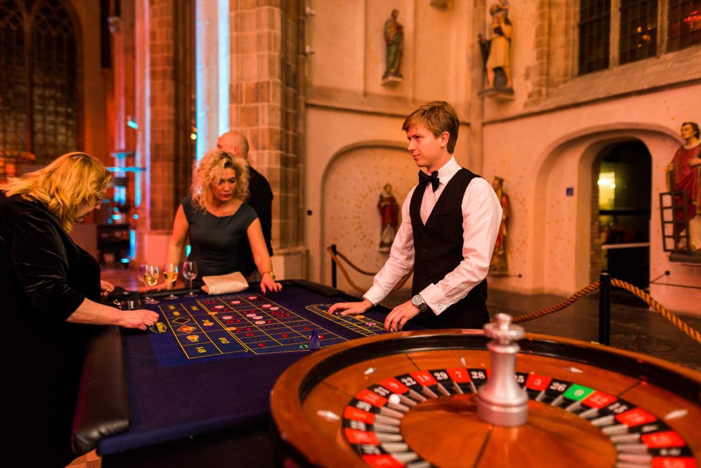 Roulettetafel op casino avond